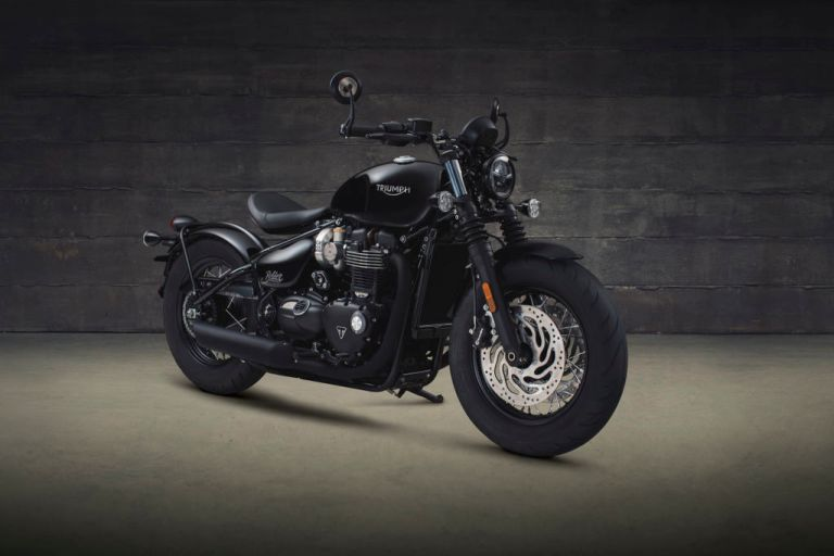 Bobber_Black_front_three_quarter.2935aa77